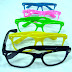 Óculos de grau tá na moda.......por @alebasaglia