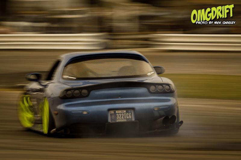 Mazda RX-7, FD, drift, jazda bokiem, sport, kultowy samochód, auto z duszą, JDM, japońska motoryzacja