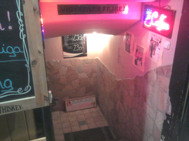 kocsma, Rottenbiller utca, VII. kerület, bar, Budapest, Cefrepalota