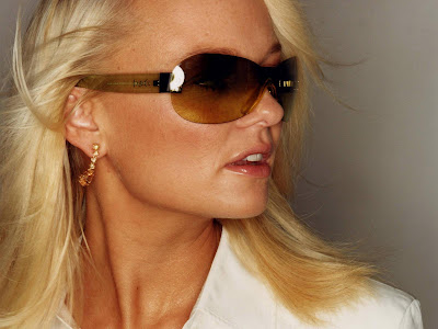 British Actress Emma Bunton Close up Images