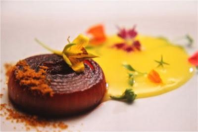 Alex Atala prepara este plato en Gastronomika 2012. Blog Esteban Capdevila