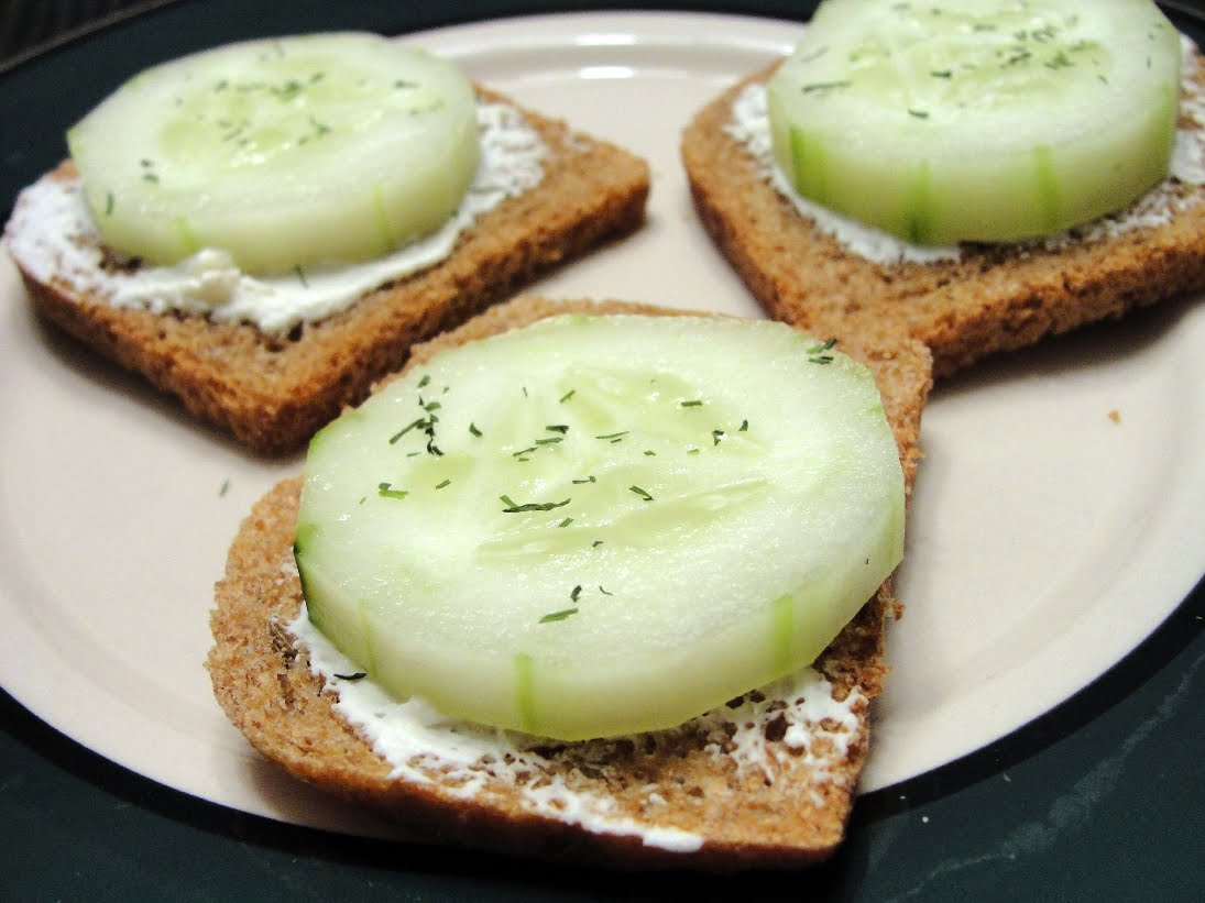 The Pursuit of Happiness: Easy Cucumber Sandwiches