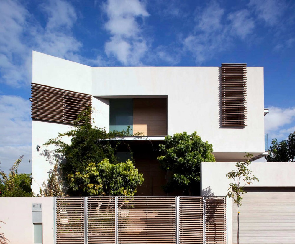 Two story house design israel most beautiful houses in for Style architectural moderne