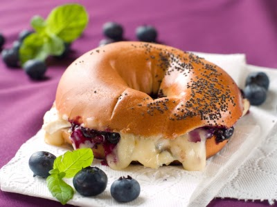 Fontina and blueberry bagel