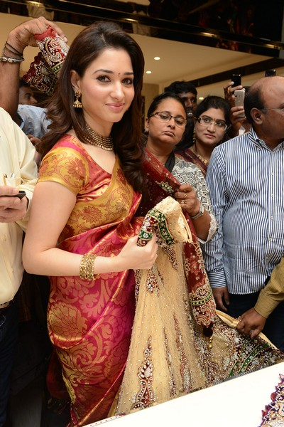 Kalanikethan Showroom lauch by Tamanna Stills