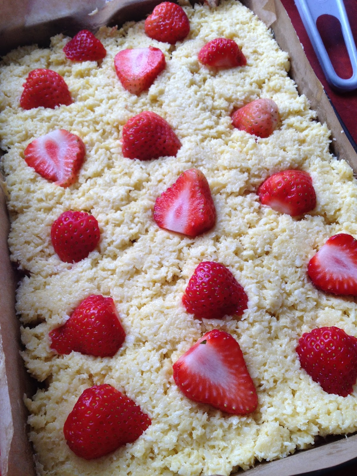 RECIPE: Coconut and strawberry squares | Handbags and Cupcakes