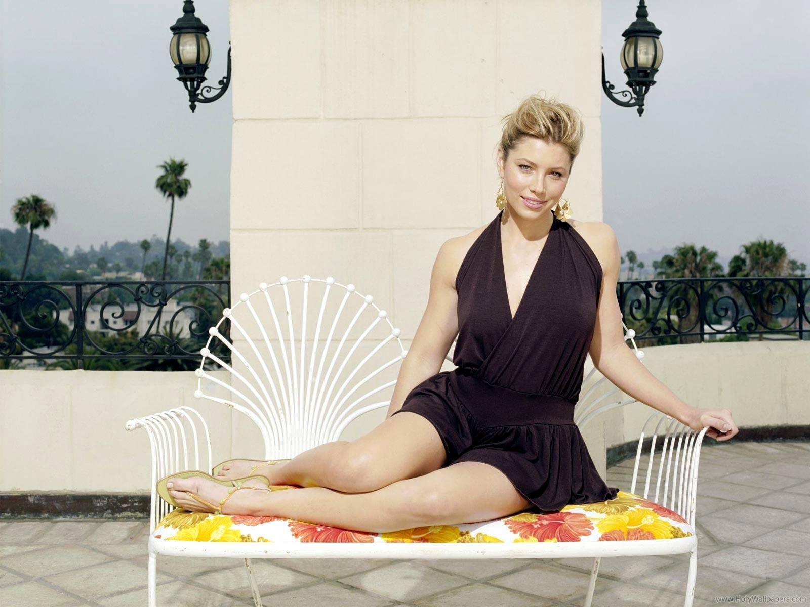 http://3.bp.blogspot.com/-jE9fKRzqEgU/TracAN02v_I/AAAAAAAAPfI/qPcCgdZRLgo/s1600/jessica_biel_actress_hd_wallpaper-03-1600x1200.jpg