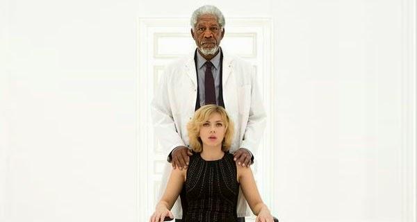 Morgan Freeman y Scarlett Johansson en un Fotograma de Lucy, de Luc Besson