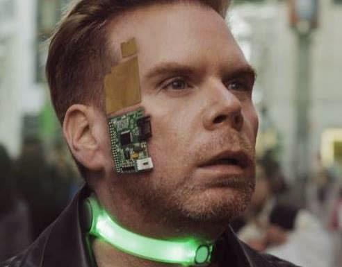 Conheça Chris Dancy, o homem mais conectado do mundo; Ele usa mais de 700 sensores para diversas finalidades úteis, como perda de peso