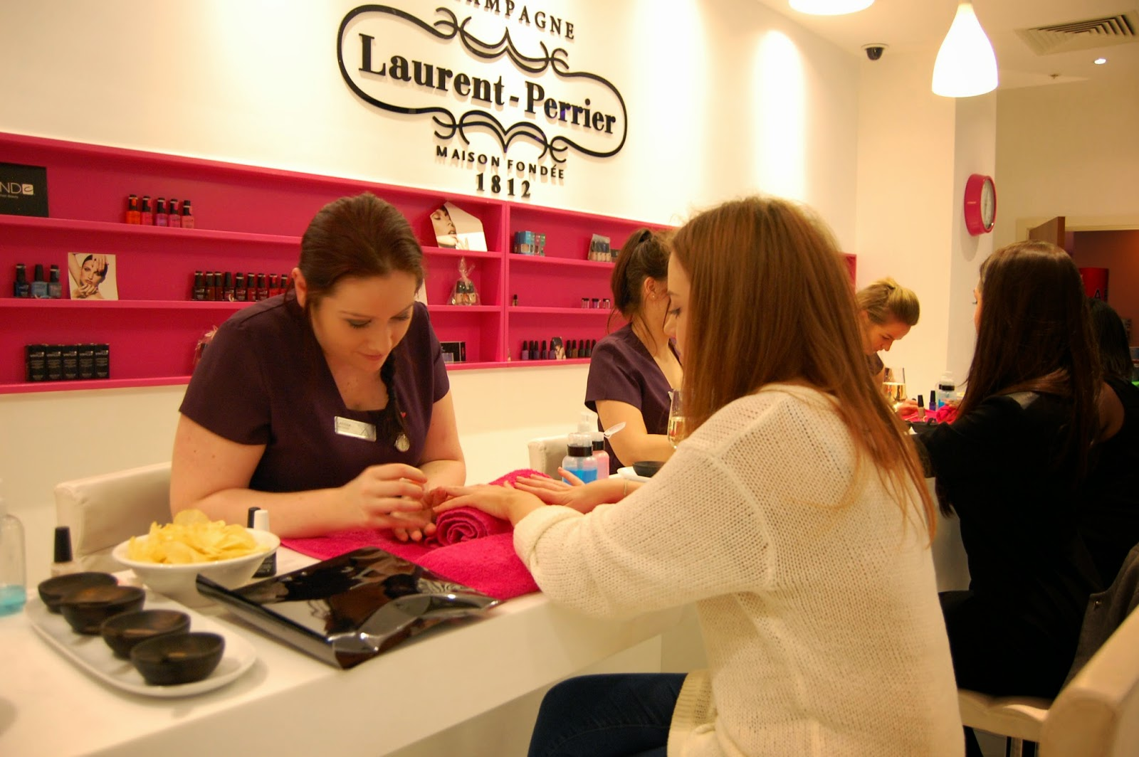 THE CLUB AND SPA BIRMINGHAM: LP CHAMPAGNE AND NAIL BAR | Tea & Toast