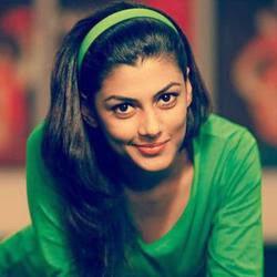 Anisha Ambrose Gabbarsingh 2 Heroine (2).jpg