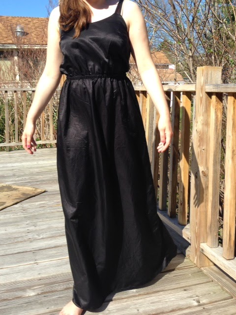 http://sewrachel.blogspot.com/2014/05/finished-silk-copy-cat-maxi-dress.html