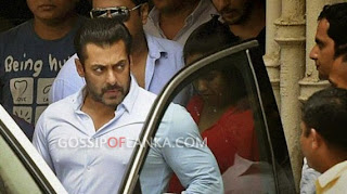 Court suspends Bollywood star Salman Khan's sentence