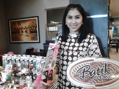 Lusia Efriani Kiroyan, Bolak Balik Penjara Demi Batik Girl