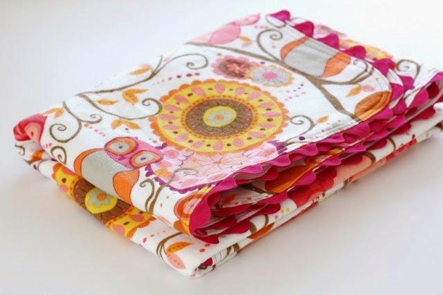 Ric Rac Receiving Blanket Tutorial by Sew Much Ado - TONS of baby blanket tutorials!