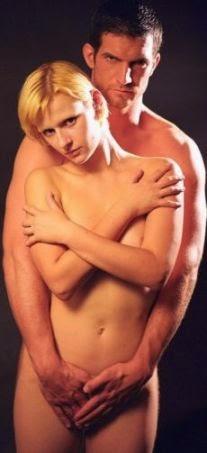 Nackt und Devot: Faszination erotischer Psycho-Spiele