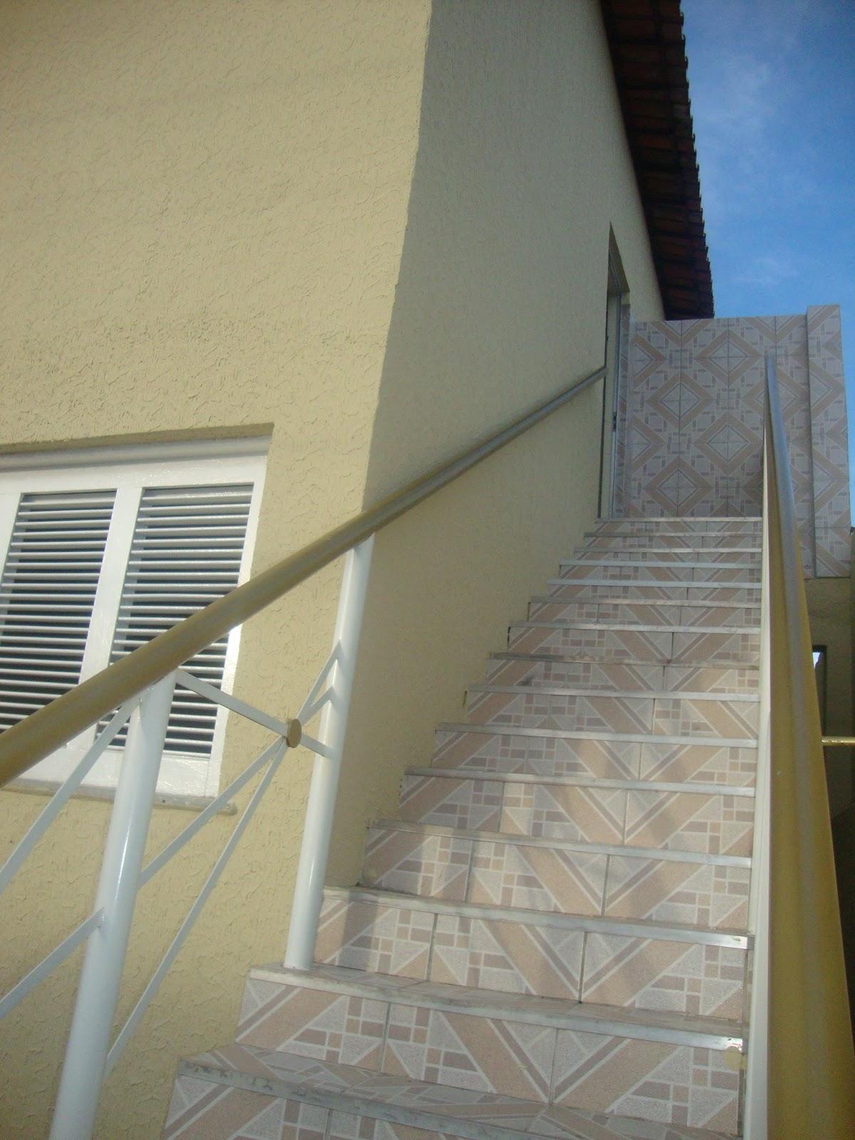 Visão da escada de entrada do pensionato Lar das Meninax (Fortaleza-CE)