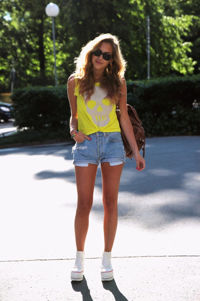 Фото модного подростка девочки