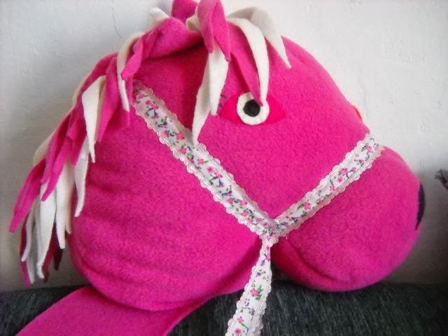 Koń różowy Marysi gotowy- prawie