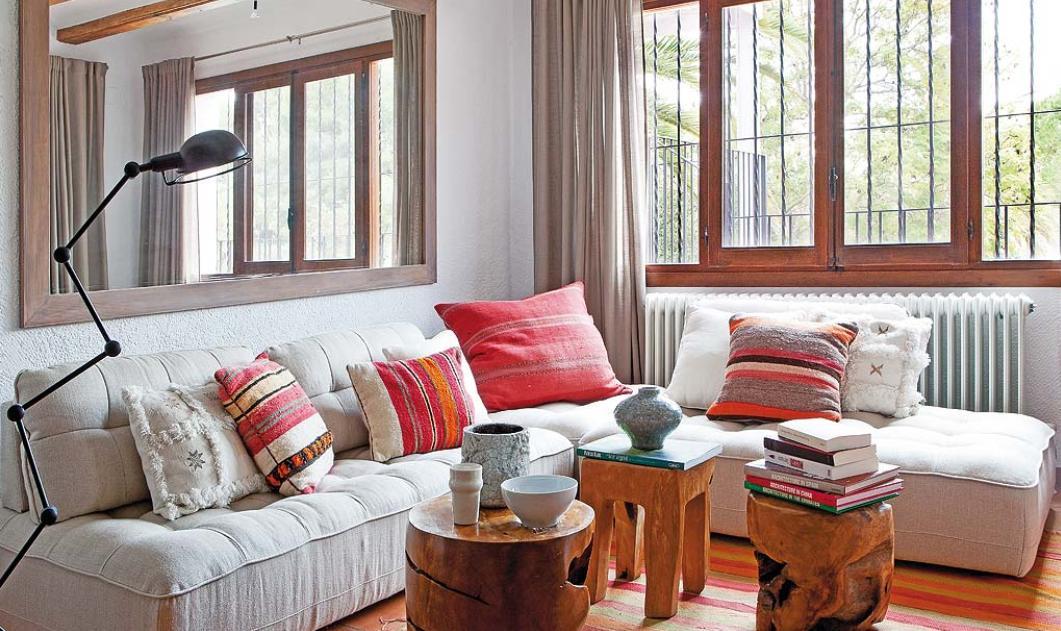 Decordemon a colorful mediterranean house full of vitality - Como amueblar una casa ...