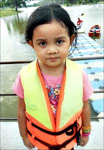 Kakak Nur Kamila Qistina