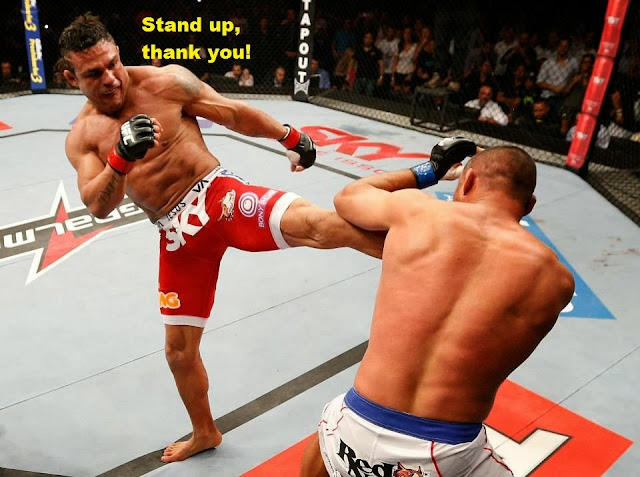 UFC Fight Night 32 - Vitor Belfort's headkick that KO-ed Dan Henderson