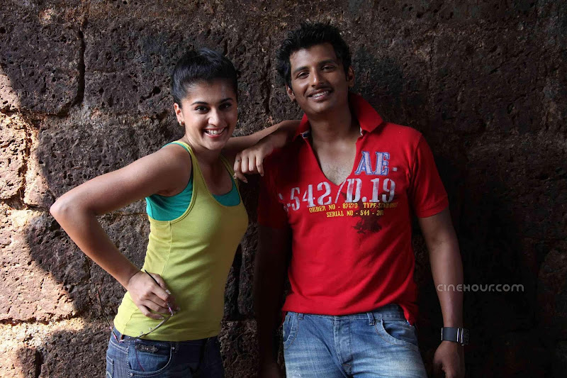 Jeeva and Tapsee Vandhan Vendran Movie Stills navel show