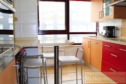 Piso de tres dormitorios en venta en Ronda de Nelle, Parque de Santa Margarita. A Coruña