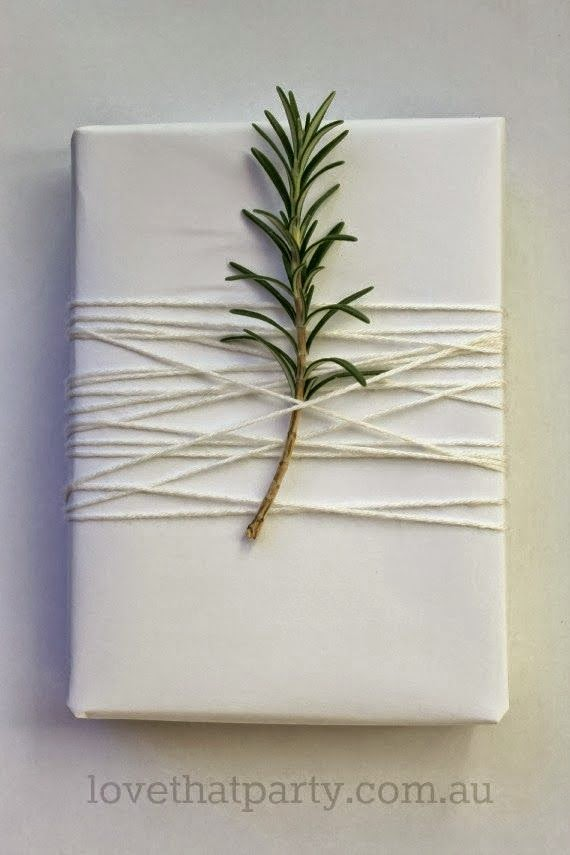 DIY simple Christmas wrapping