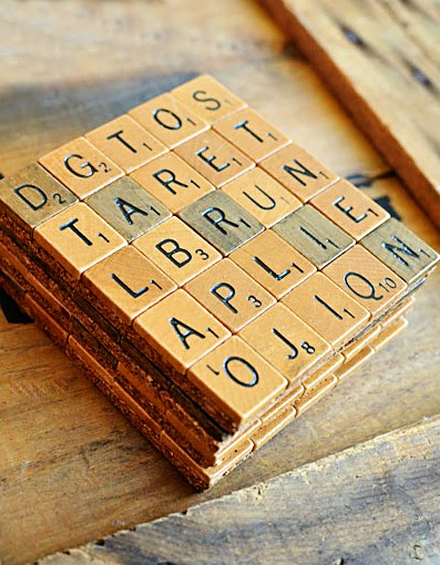 DIY Christmas gifts scrabble coasters