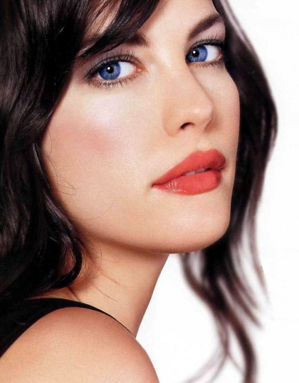 10 Most Beautiful Blue-Eyed Celebrities!
