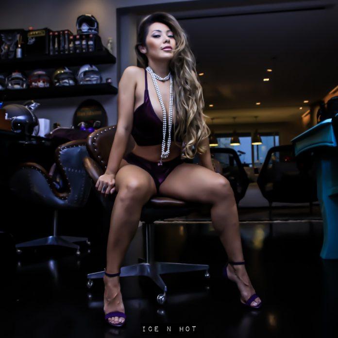 """Capa da Sexy, Elga Shitara estrela novo ensaio erótico: """"o nu é só um detalhe"""""""