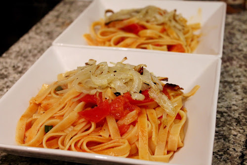 Pasta with Quick-Cooked Tomato Sauce
