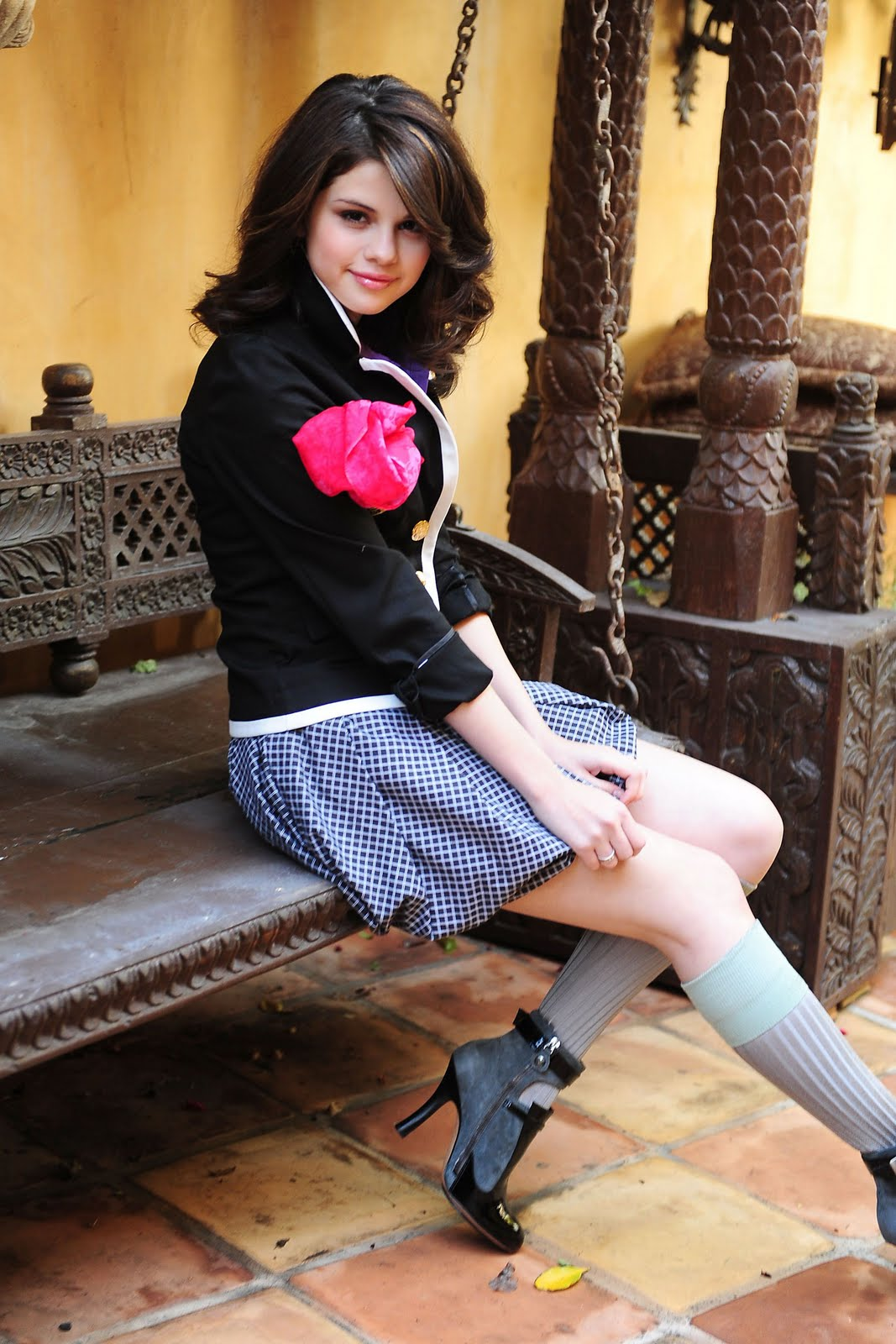 http://3.bp.blogspot.com/-jI5XLe6ydoI/TdU3pMmN2oI/AAAAAAAAB64/LwjVOcOP0_s/s1600/Selena_Gomez_.jpg