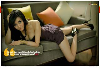 foto seksi wiwid gunawan di majalah popular2