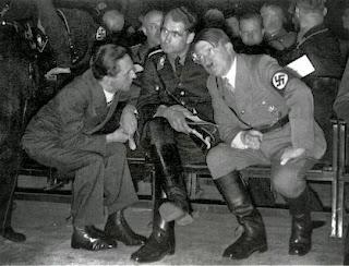Мой фюрер, мне приснилось, что Россия напала на Украину, а Германия требует прекратить войну.