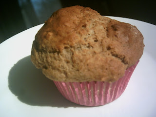 banana-berry smoothie muffin