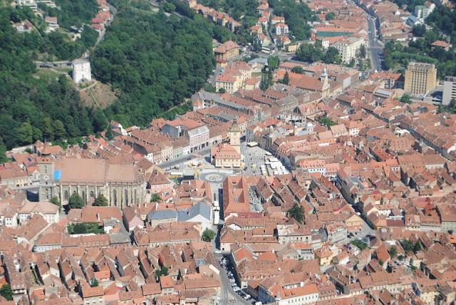 oldtown / view/ mountain  / trip / Romania / oldtown / Brasov /