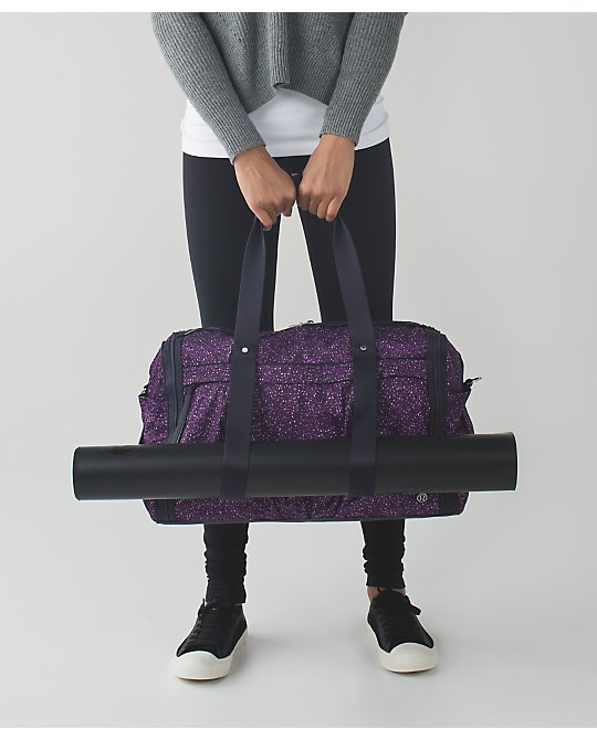 lululemon warrior-duffel