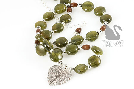 Green Grossular Garnet Gemstone Heart Leaf Necklace (N085)