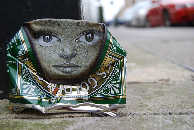 lata reciclada pintada