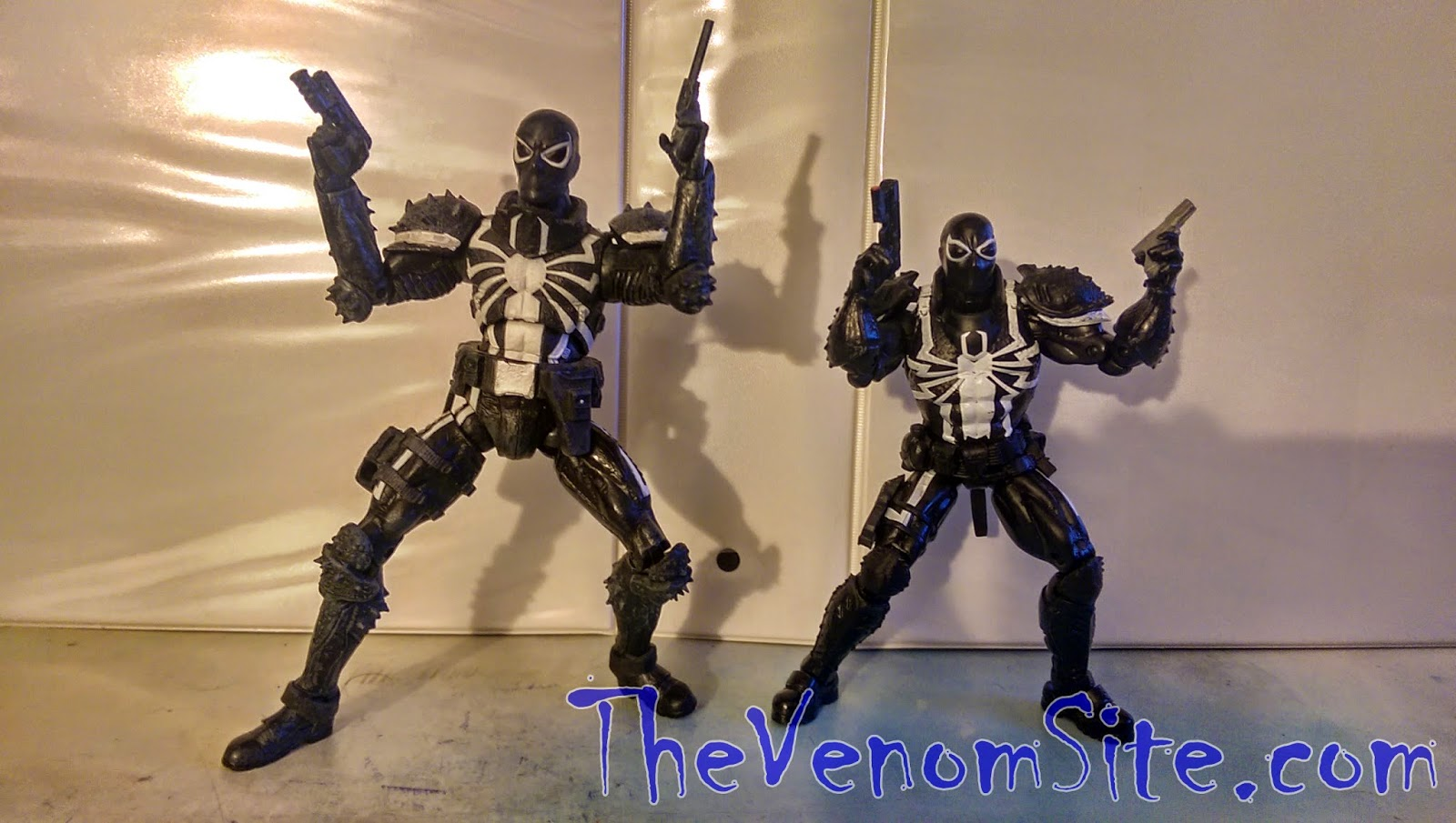 Petition Diamond Select Toys to reissue the Disney Store exclusive Marvel Select Agent Venom figure