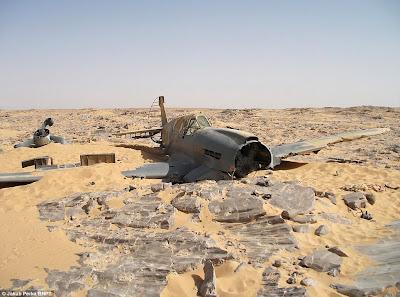 Aparece caza de la RAF en el Sahara