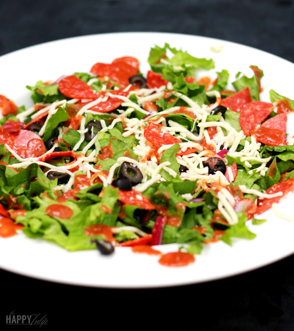 pizza salad with tomato vinaigrette│thehappytulip.com