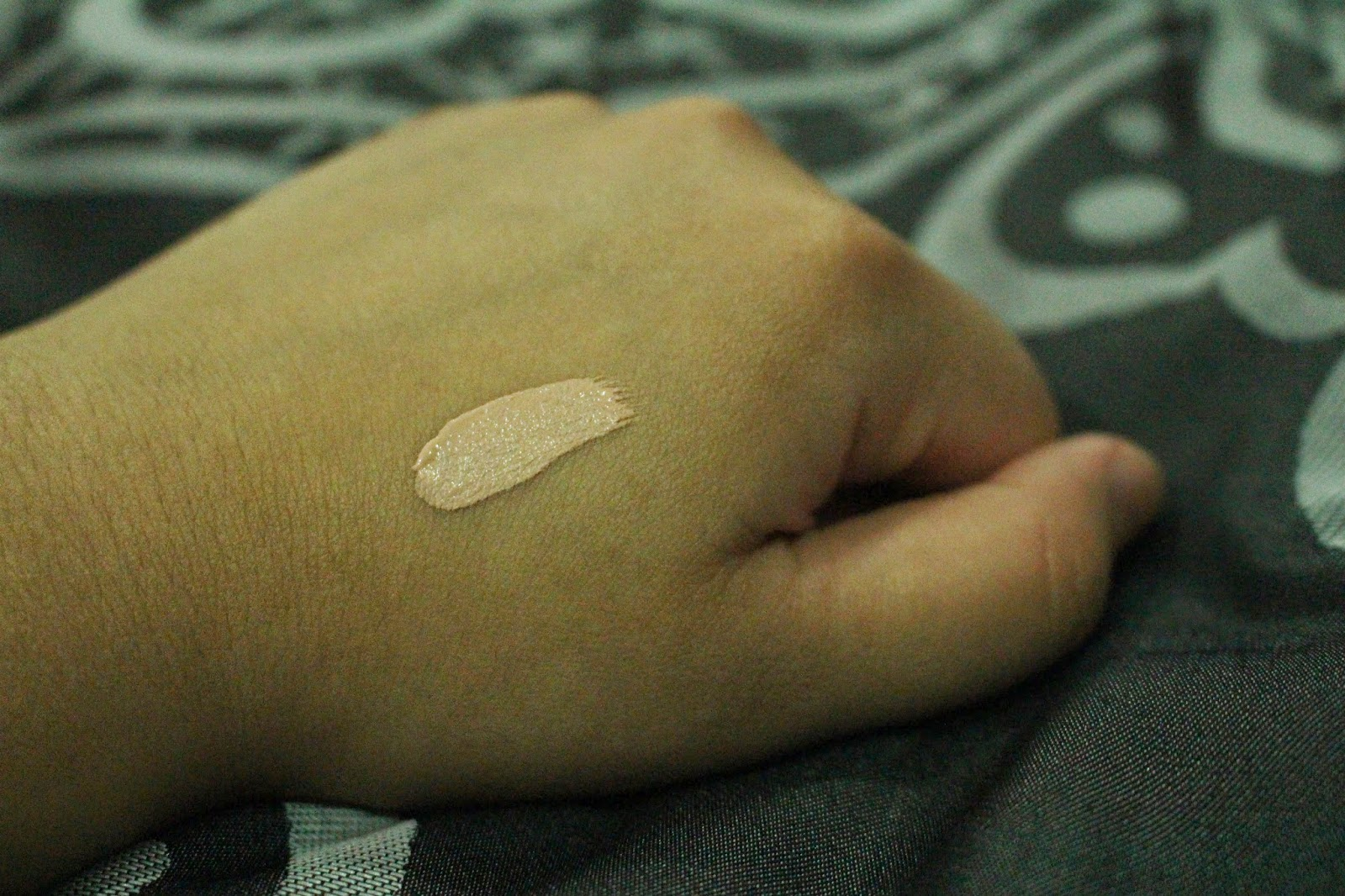Maybelline Super Stay 24hr Concealer Swatch - Cream