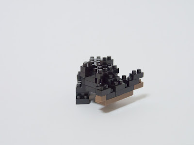 ナノブロックで作った木彫りの熊