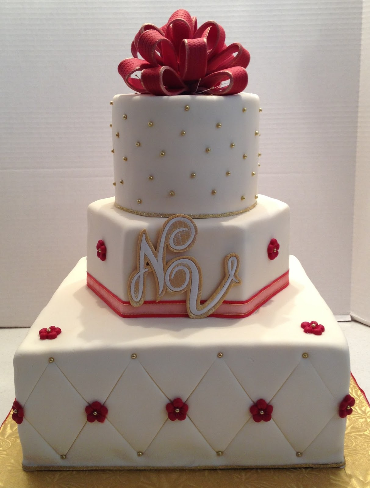 MaryMel Cakes Red & Gold wedding cake