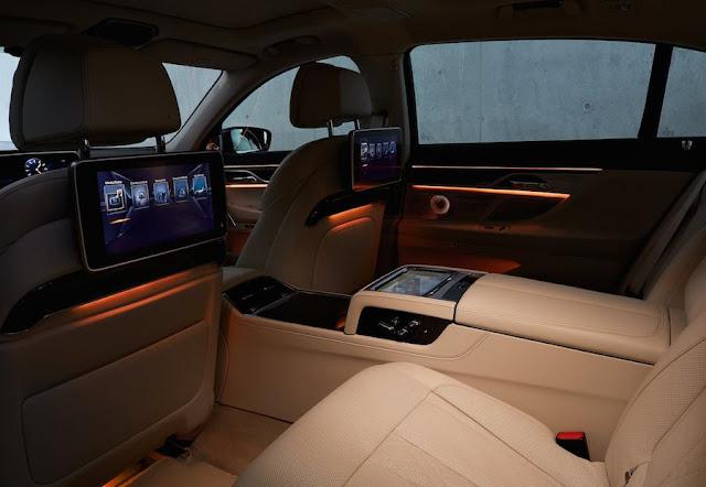 フルモデルチェンジ BMW 7シリーズ インテリア 照明