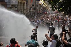 Ο λαός της Τουρκίας δεν είναι μόνος