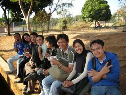 Saya bersama teman-teman Unpad -  Kerja Sambil Kuliah